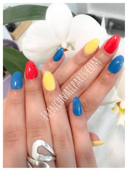 Pose acrylique mains avec vernis semi-permanent