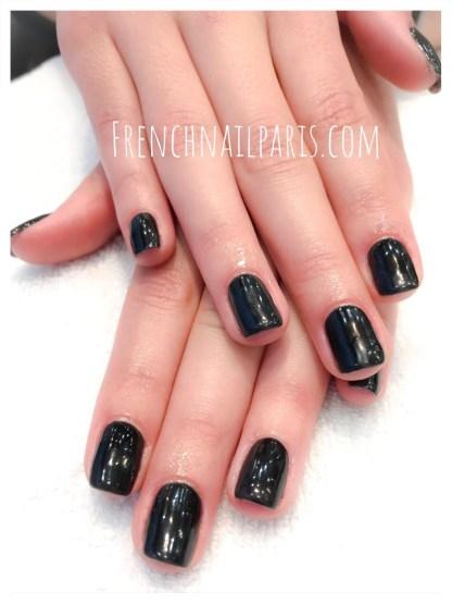 Beauté des mains avec vernis semi-permanent