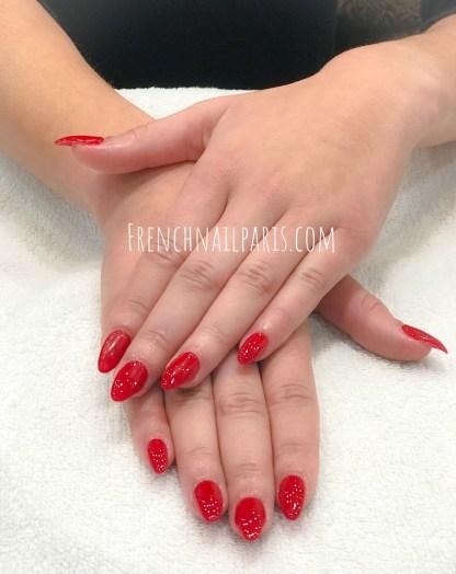 Découvrez la pose d'ongles chablon proposée par votre salon assortie d'un vernis semi permanent et vous avez l'assurance d'un résultat parfait.