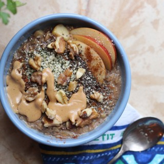 Walnut Apple Oatmeal