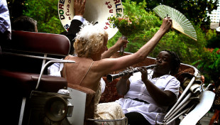 New Orleans Carriage Ride for the Bride And Groom