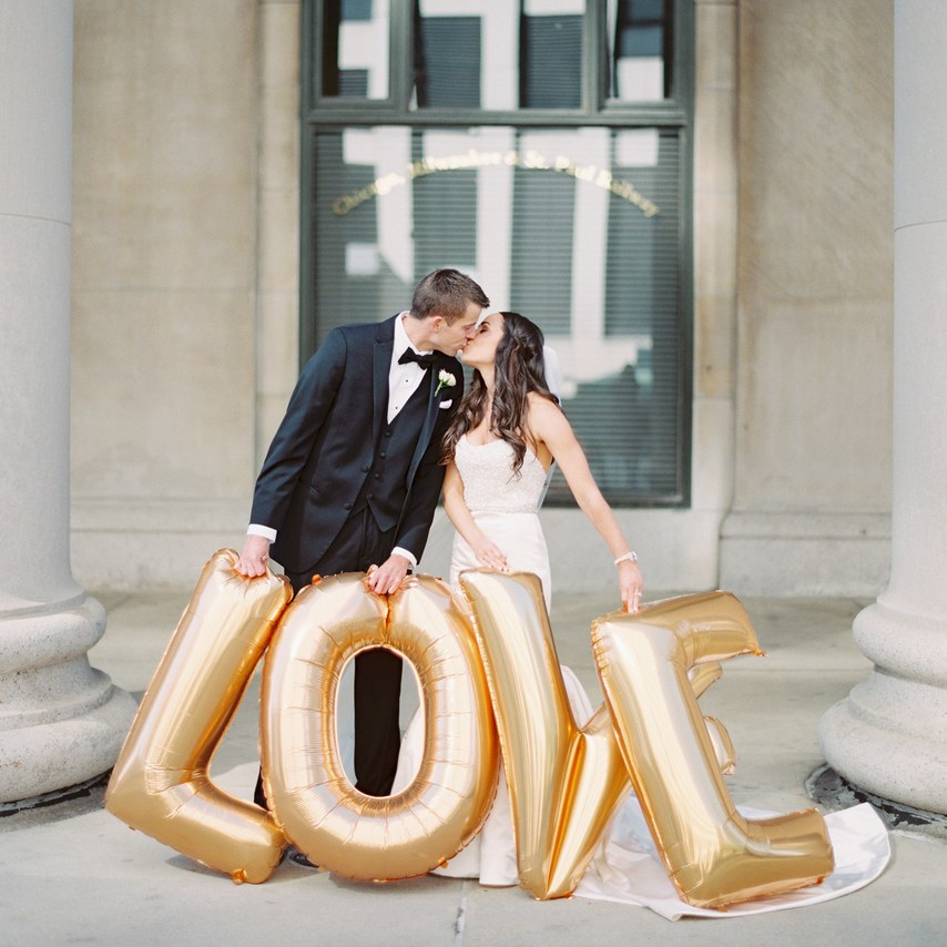 19 Valentine's Day Wedding Ideas To Send Your Heart Aflutter