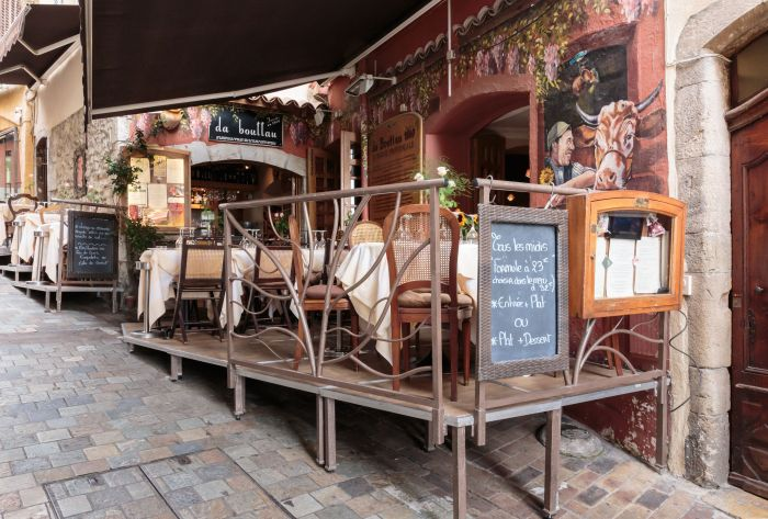 Restaurant in Cannes' historic Le Suquet area