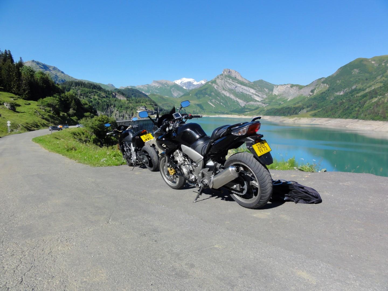 Motorbikes at Lake Roseland