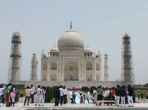The Taj Mahal, with the famous 'Diana bench' in the foreground