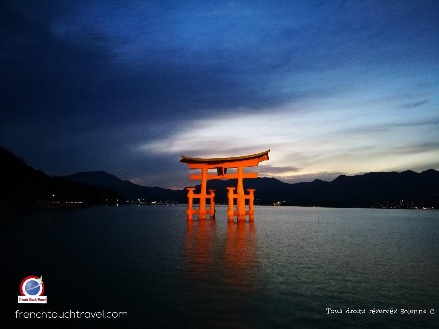 Grand Tori, Miyajima island, Japon