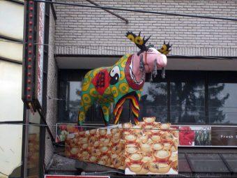 statue-chinatown-toronto