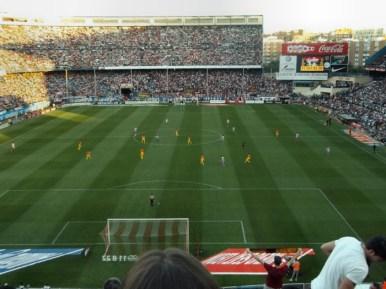 At Madrid vs F.C.Barcelona en el Calderón con presencia del Frente Madrileño