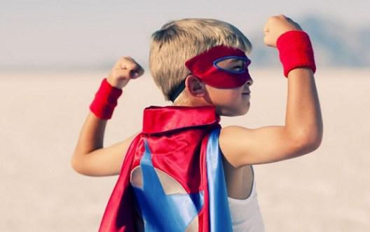 enfant-superhéro-leader-influence-dieu