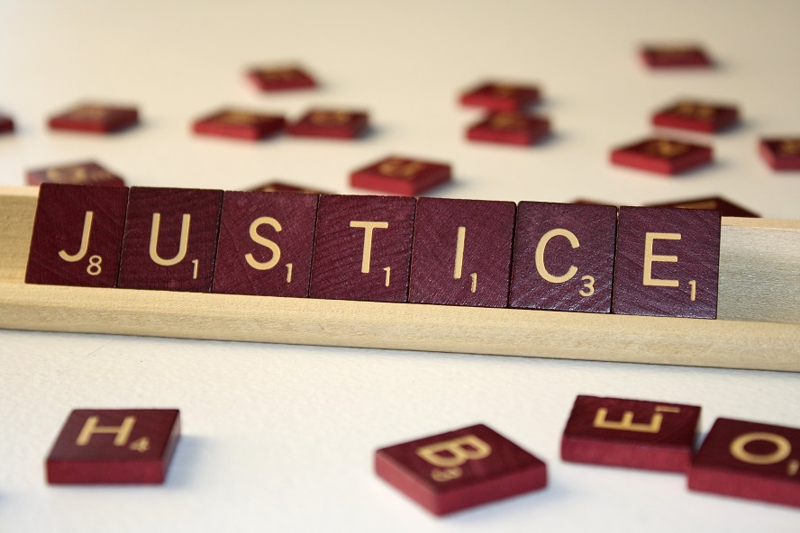 J'espère en Dieu pour qu'Il me fasse justice.