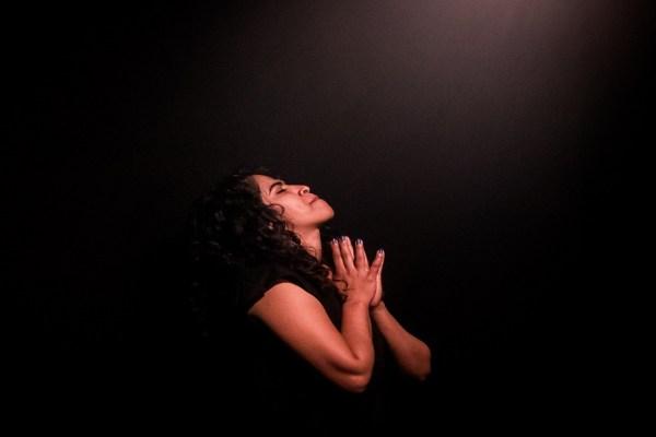 Pourquoi devons-nous prier au nom de Jésus ?