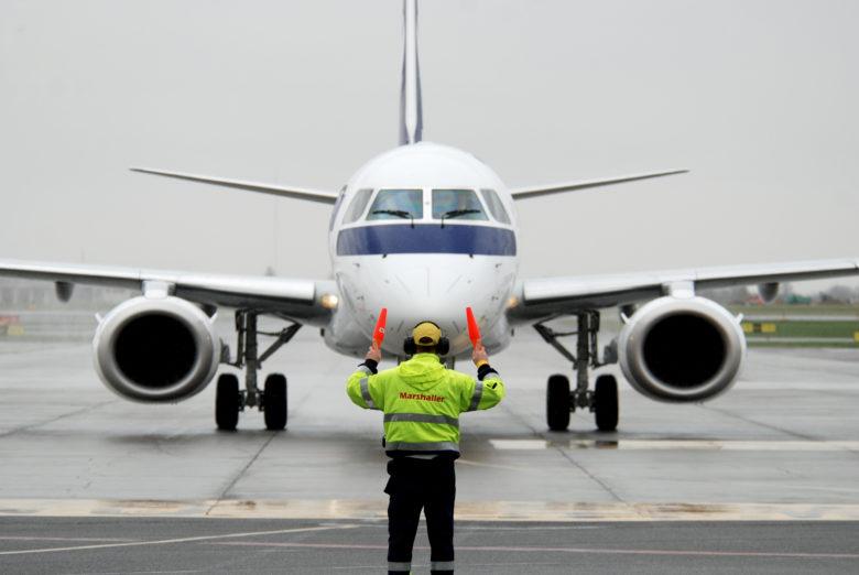 Skifter navn og skal levere flere fly til SAS