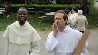 Frère Mervy (Abidjan) et frère Emmanuel Dumont (Fribourg)