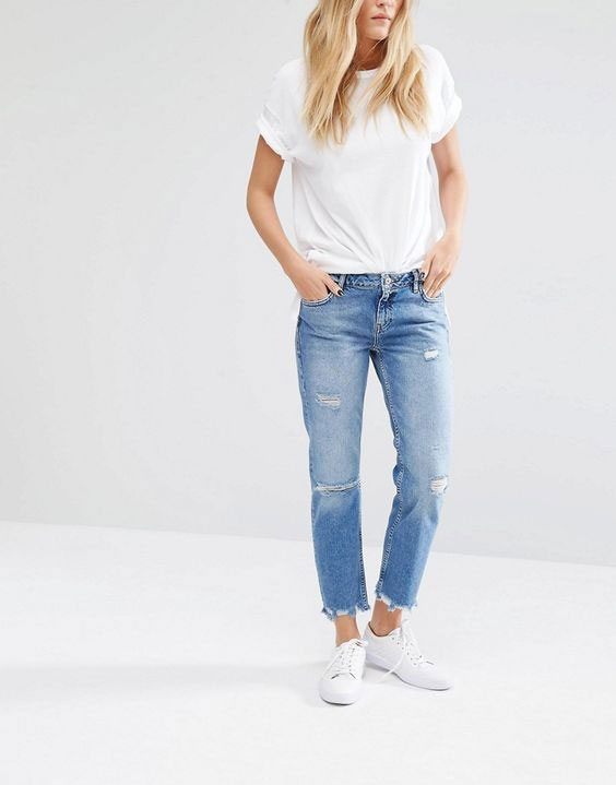 spring fashion trend ultra casual frayed denim