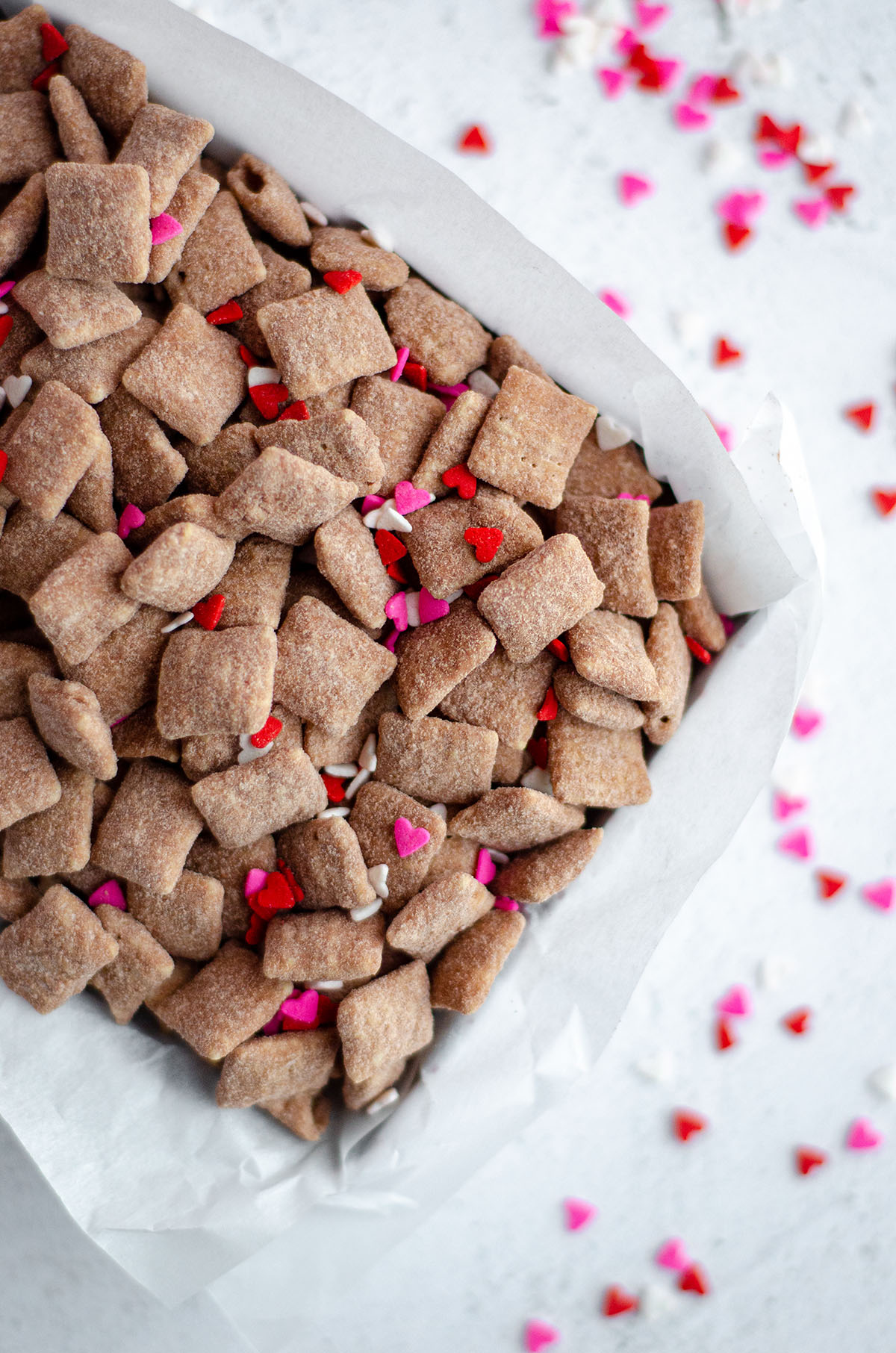 aerial photo of red velvet puppy chow in a treat box