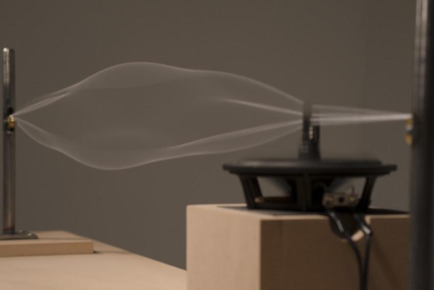 Alba Triana light and sound experiments