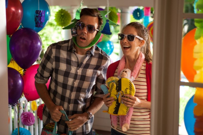 Jason Sudeikis and Alison Brie in SLEEPING WITH OTHER PEOPLE. Photo courtesy of IFC Films