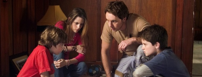 The Queue: 'ZATHURA' – Great Family-Fun Available on Netflix