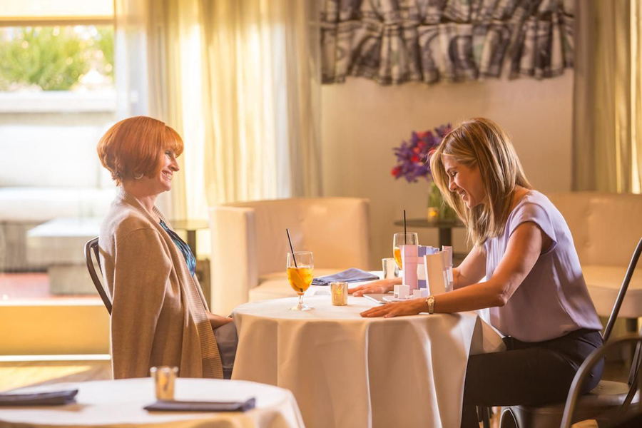Julia Roberts, Kate Hudson & Jennifer Aniston All Have Mommy Issues In 'MOTHER'S DAY'