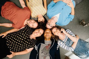 Keegan-Michael Key, Gillian Jacobs, Mike Birbiglia, Kate Micucci, Chris Gethard, Tami Sagher in DON'T THINK TWICE. Courtesy of The Film Arcade.