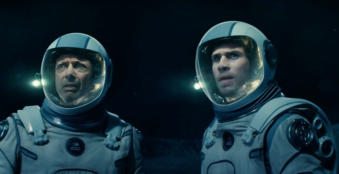 Movie Review: 'INDEPENDENCE DAY: RESURGENCE' – A cornball invasion feature that's unavoidably entertaining