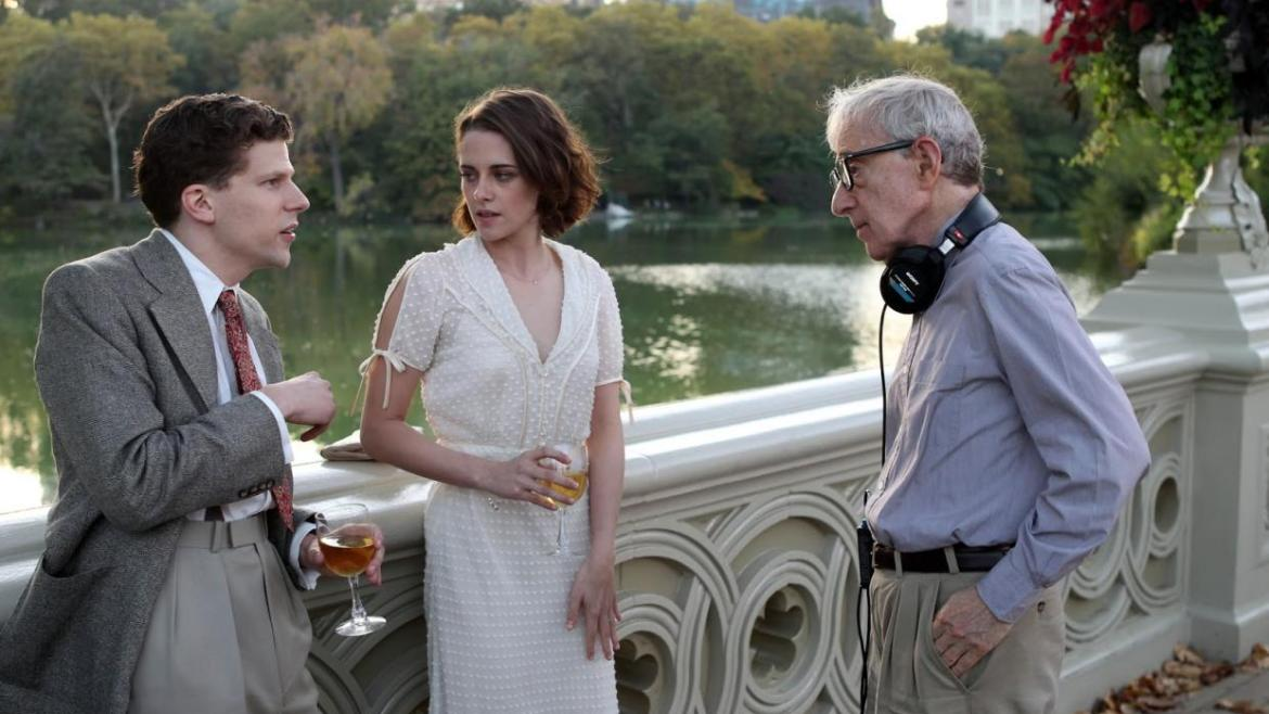 Movie Review: Woody Allen's 'CAFE' SOCIETY' brings a surprising sexy charm to 1930's Hollywood