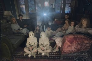 Eva Green, Asa Butterfield, Ella Purnell, Pixie Davies, Raffiella Chapman, Finlay MacMillan, Milo Parker, Lauren McCrostie, and Georgia Pemberton in Miss Peregrine's Home for Peculiar Children. Courtesy of 20th Century Fox.