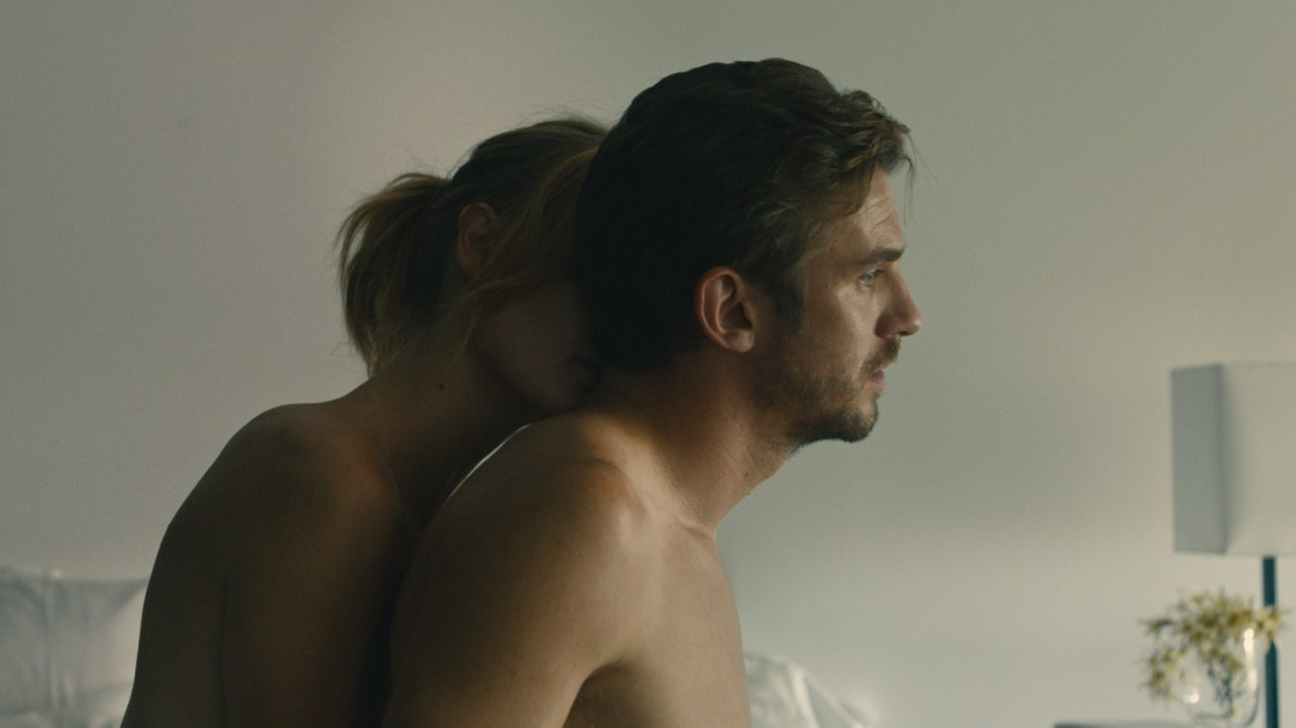 Fresh on Demand: 'THE TICKET', starring Dan Stevens and Malin Akerman