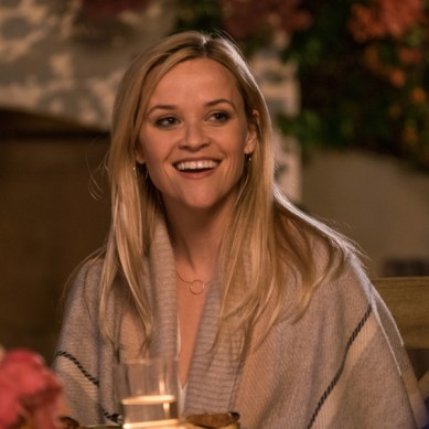 Reese Witherspoon proves you can actually go 'HOME AGAIN'