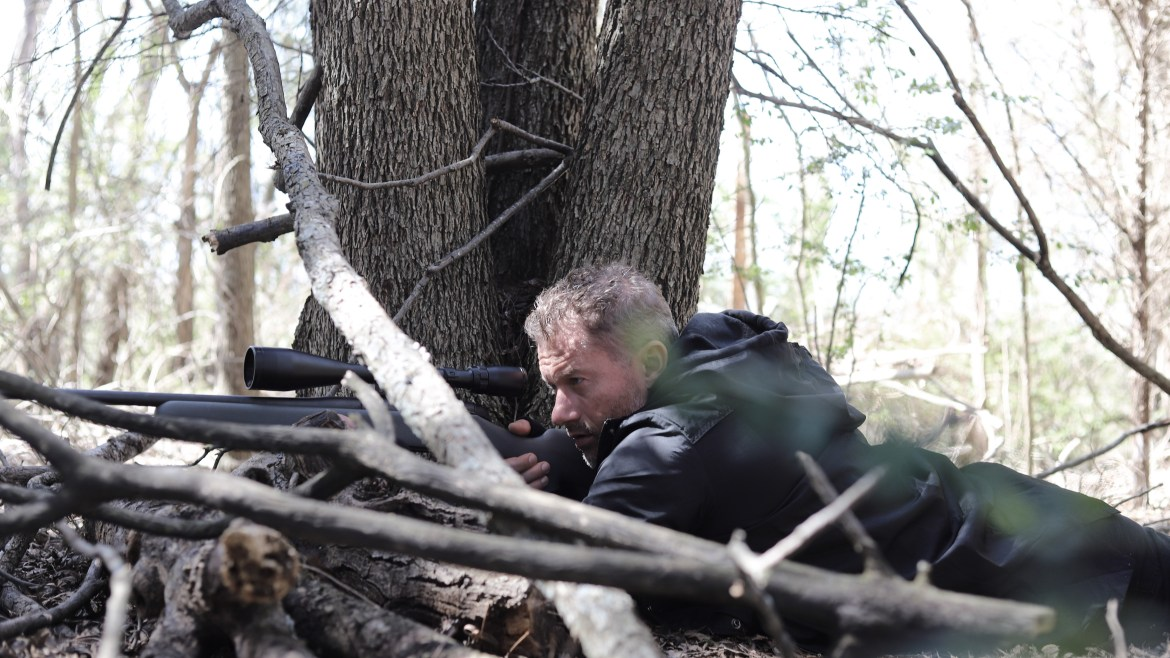 Movie Review: 'THE STANDOFF AT SPARROW CREEK' a razor sharp debut from Henry Dunham