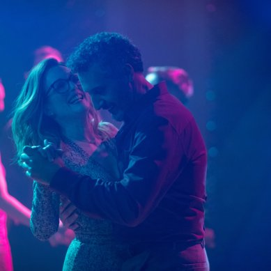 Movie Review: 'GLORIA BELL' has Julianne Moore living out loud with little connective tissue