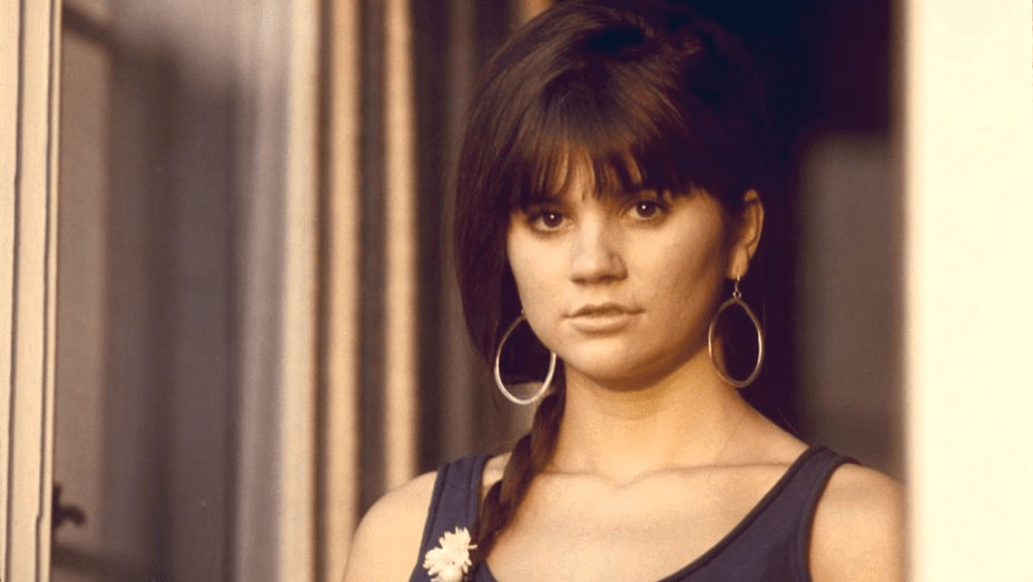[Review] 'LINDA RONSTADT: THE SOUND OF MY VOICE' paints a celebratory, heartbreaking portrait of an American treasure and music icon