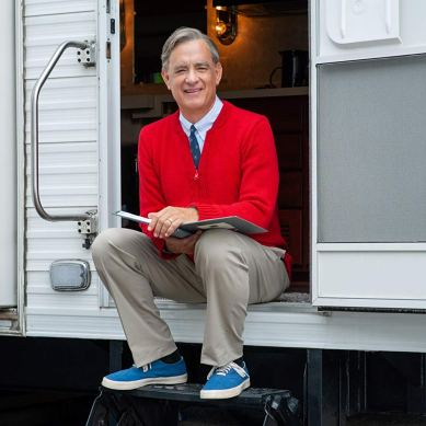 [TIFF Review] 'A BEAUTIFUL DAY IN THE NEIGHBORHOOD' – Tom Hanks is trustworthy as ever in this flawed Mr. Rogers biopic