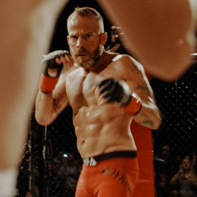 [Review] 'EMBATTLED' – caged combat, emotions in father-son drama
