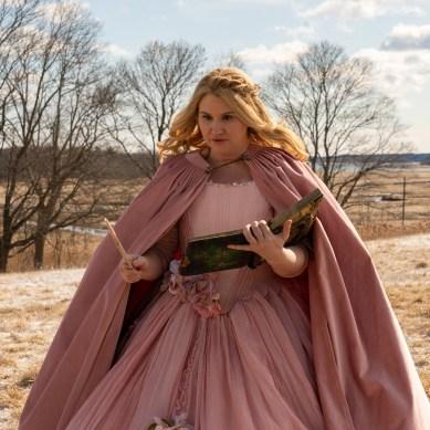 'GODMOTHERED' review: Jillian Bell makes a Bibbidi-Bobbidi-Booboo in Christmas comedy