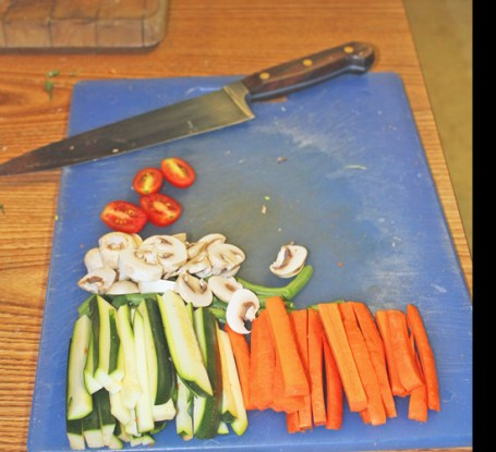 Knife & Veggies 6-12