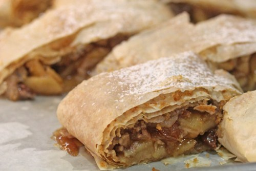 Apple Strudel in 40 minutes