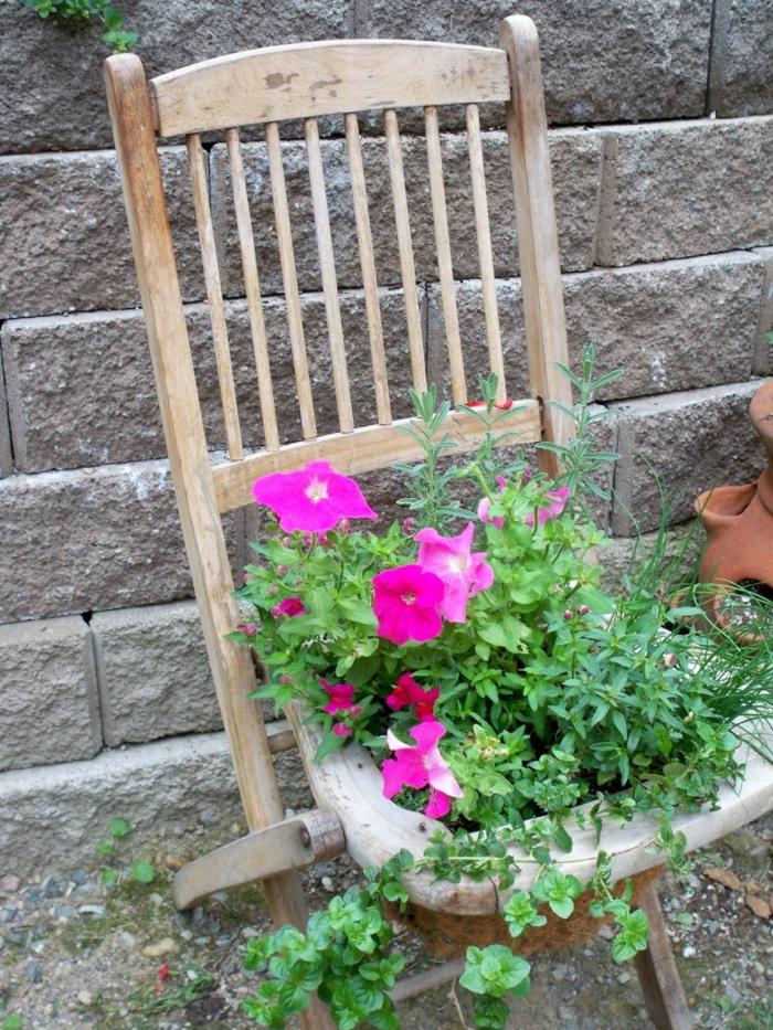 Gartendeko basteln - Den Garten originell dekorieren