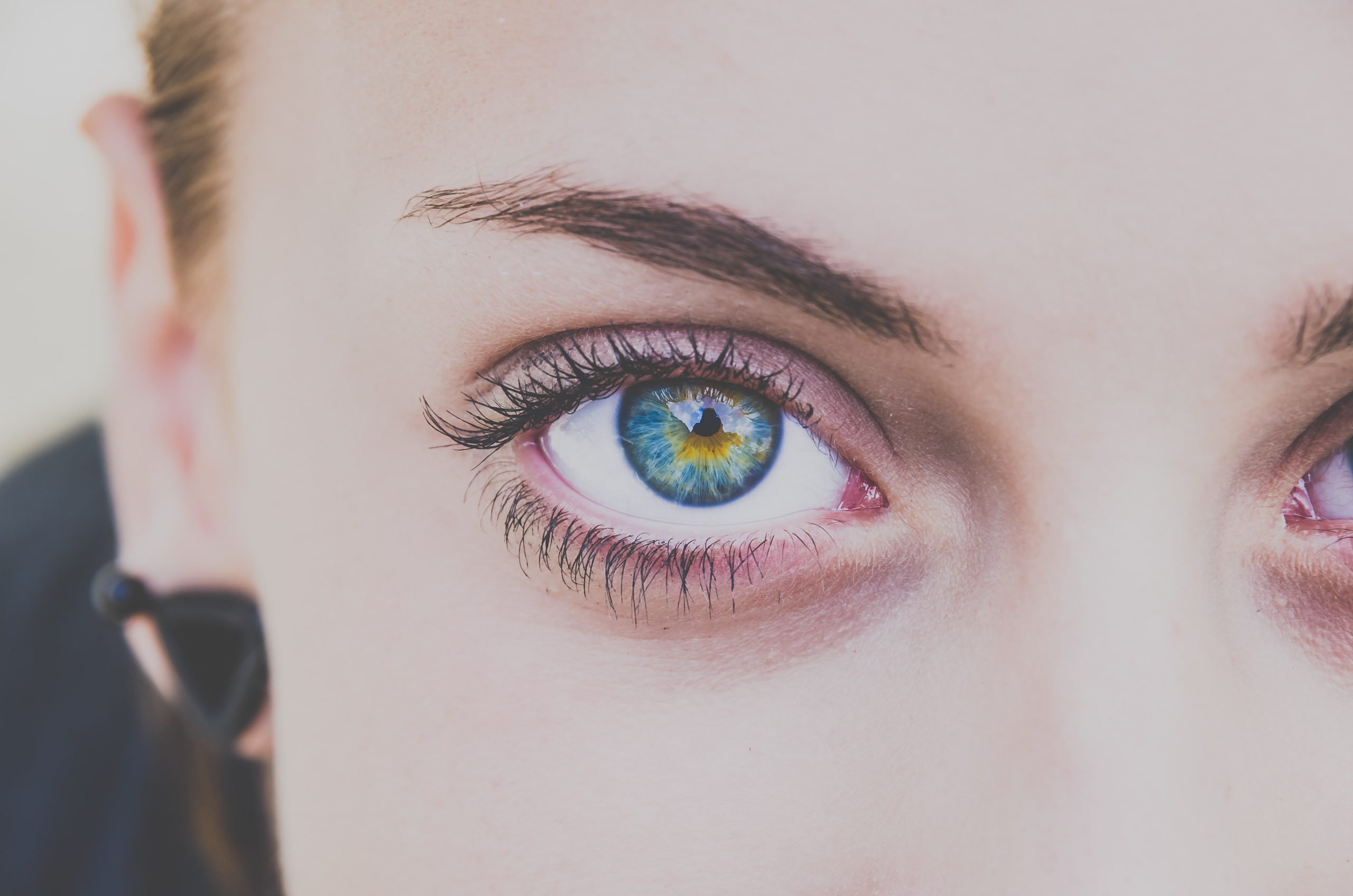 Top Tips On How To Achieve Longer Lashes