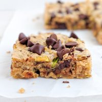 Chocolate Chip Zucchini Cookie Bars (paleo, sugar free)