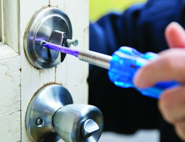 Lock change in Flushing call us now (718) 233-1144. We Are Here To Replace any kind of Lock in New-York