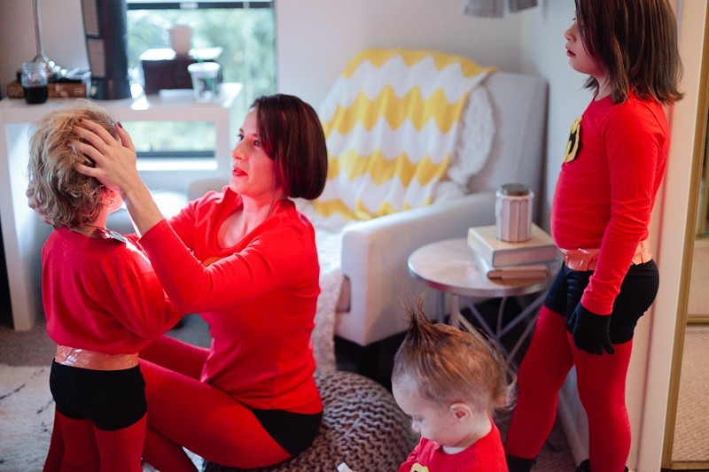 Easy incredibles family costume life fresh mommy blog diy incredibles costume fresh mommy blog 15 easy diy incredibles family costume by solutioingenieria Image collections