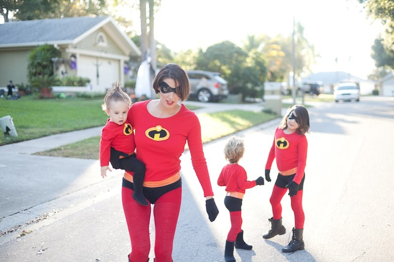 Easy DIY Incredibles Family Costume