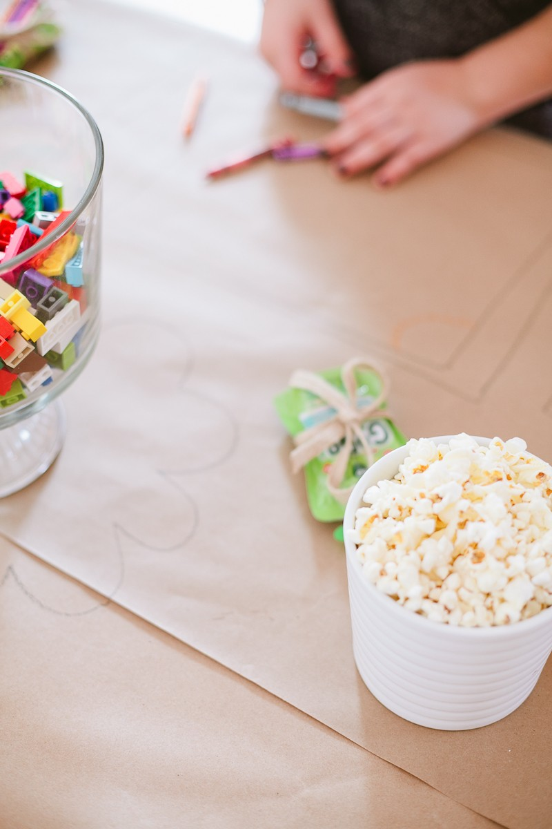 Tips for a Ridiculously Easy Table to Keep Kids Entertained for any Party