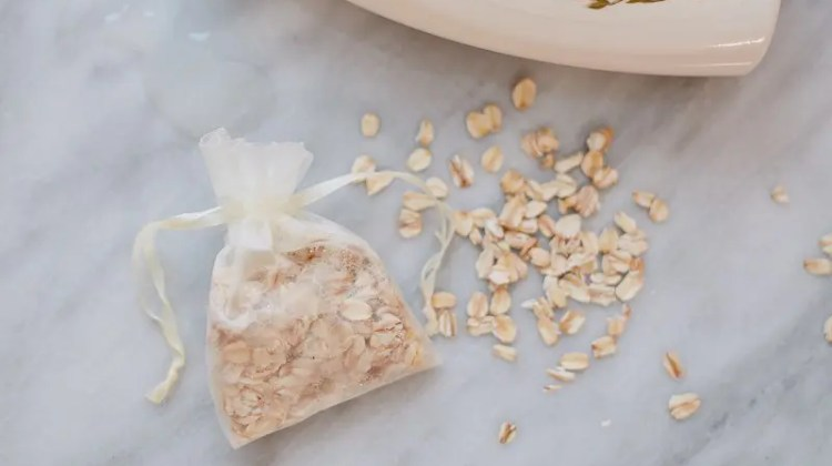 Create DIY Herbal Oatmeal Bath and Shower Bags for the Shower or as a Great Gift!