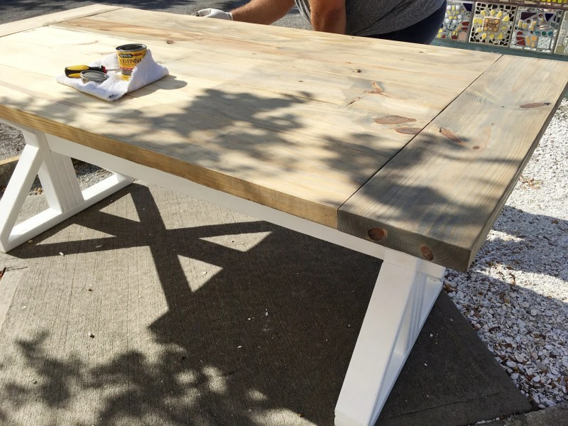 A DIY Farmhouse Table for Kitchen or Dining!