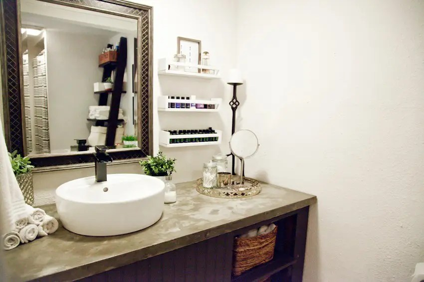 Cute  the before and after of this simple bathroom makeover especially since we have SO much remodeling happening and ing to the blog with our new home