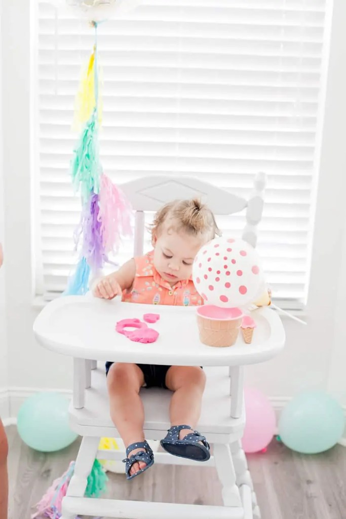 The easiest high chair makeover, and how to paint a highchair in just three steps!