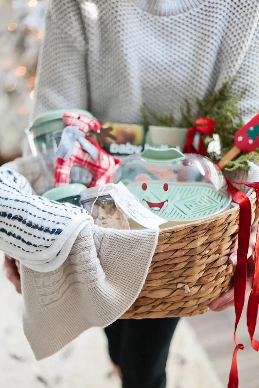 https://i1.wp.com/freshmommyblog.com/wp-content/uploads/2017/11/Baby-Food-Gift-Basket-45.jpg?resize=850%2C1275