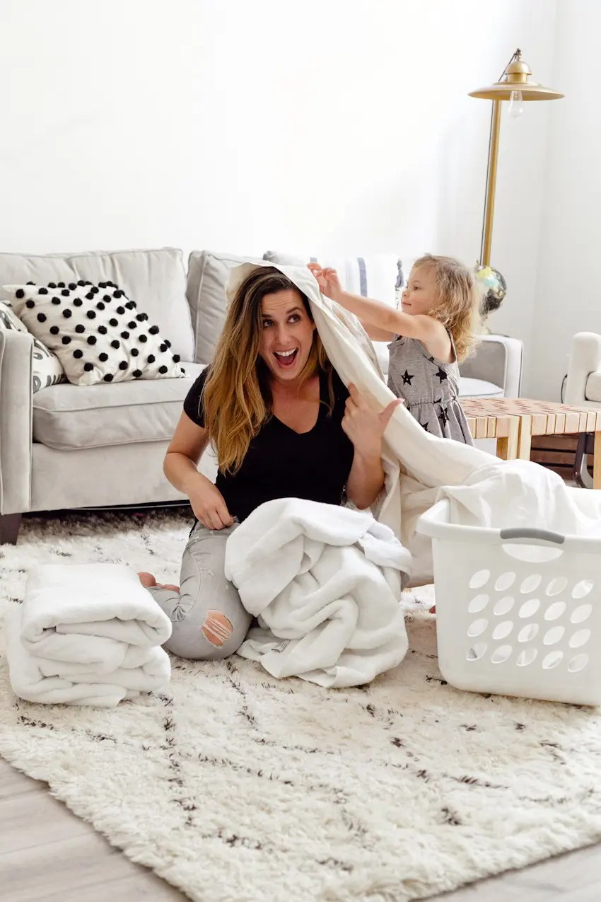 7 Useful House Cleaning Tips That You Need to Know! Spring cleaning hacks, tricks and clean home tips from popular Florida lifestyle, travel and mommy blogger Tabitha Blue of Fresh Mommy Blog